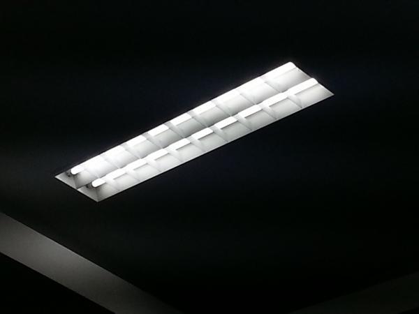LED蛍光灯1